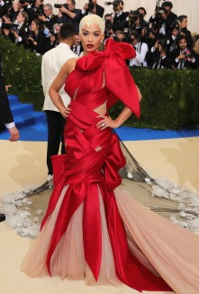 """NEW YORK, NY - MAY 01: Rita Ora attends the """"Rei Kawakubo/Comme des Garcons: Art Of The In-Between"""" Costume Institute Gala at Metropolitan Museum of Art on May 1, 2017 in New York City. (Photo by Neilson Barnard/Getty Images)"""